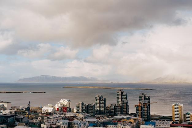 아이슬란드의 수도 레이캬비크의 공중보기 풍경