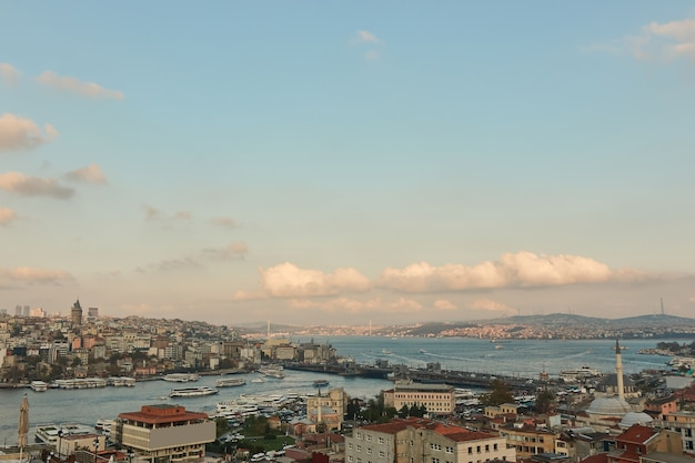 Aerial view istanbul historic centre. karakoy, beyoglu and fatih with view of galata bridge and golden horn bay. istanbul, turkey