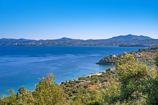 ギリシャのコルフ島のバルバティの空撮