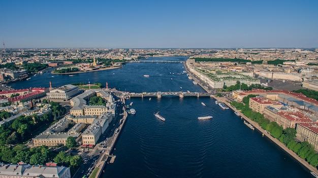 サンクトペテルブルクの市内中心部の航空写真