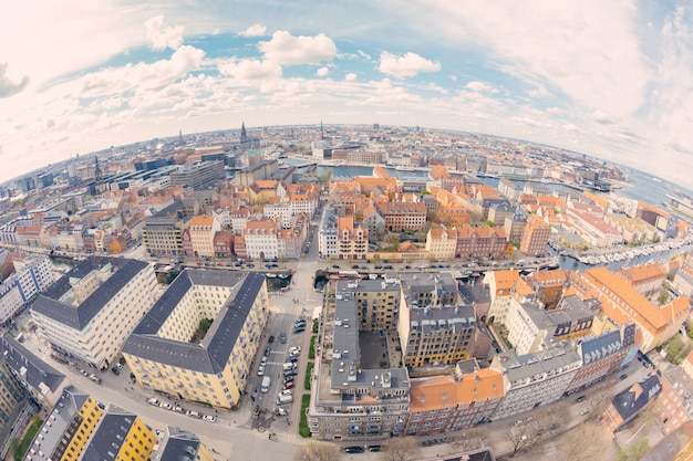 曇りの日にコペンハーゲンの航空写真