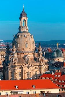 돔과 지붕의 항공 보기 드레스덴, 독일