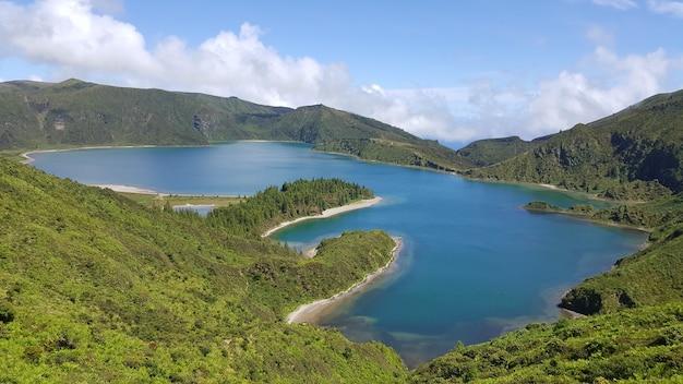 ポルトガル、アゾレス諸島、サンミゲル島のフォゴ湖の空撮