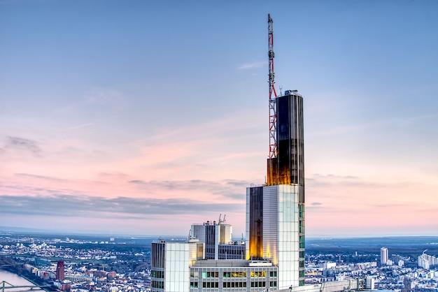 Вид с воздуха на франкфурт-на-майне на закате
