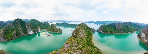 Аэрофотоснимок острова халонг бэй кат ба, уникальные известняковые скалы острова