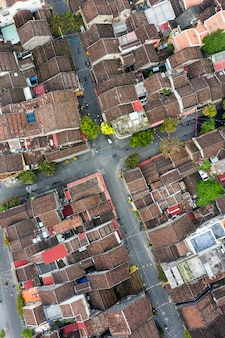 Вид с воздуха на древний город хойан во вьетнаме Premium Фотографии