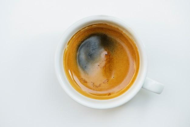 Вид с воздуха на горячий кофе