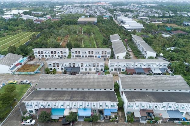 Аэрофотоснимок жилых домов в таиланде