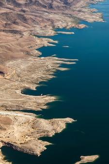 Вид с воздуха на озеро мид