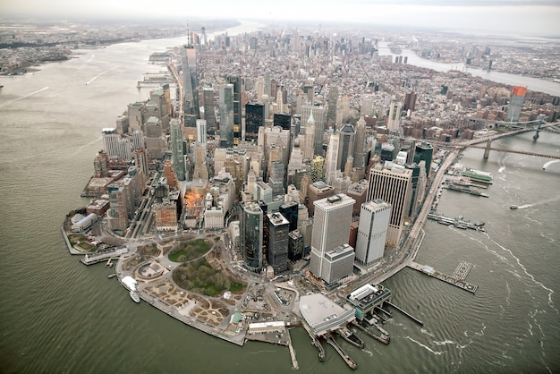 Аэрофотоснимок горизонта манхэттена, нью-йорк в соединенных штатах