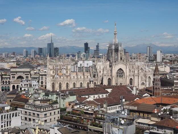 Вид с воздуха на милан, италия