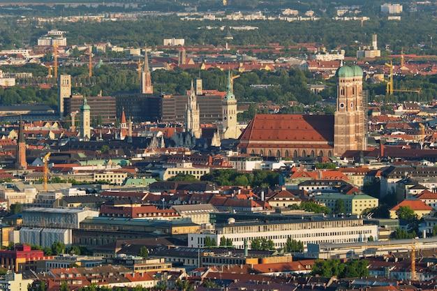 Аэрофотоснимок мюнхена. мюнхен, бавария, германия