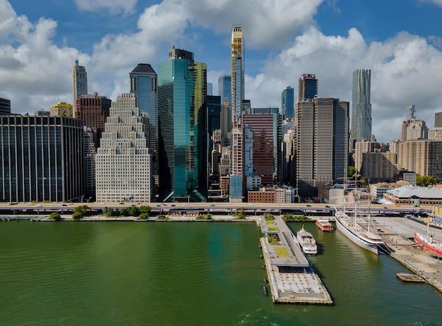맨해튼 스카이 라인 사무실 건물과 뉴욕시 파노라마의 공중보기