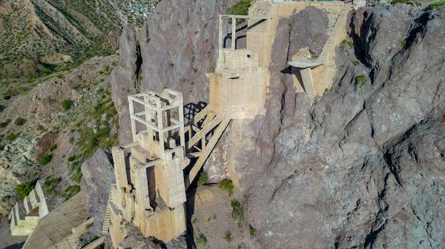 古い廃鉱山の航空写真。