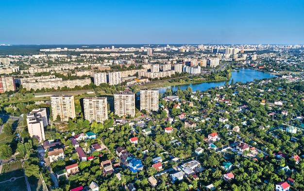 Аэрофотоснимок райдужного и воскресенского района киева, столицы украины