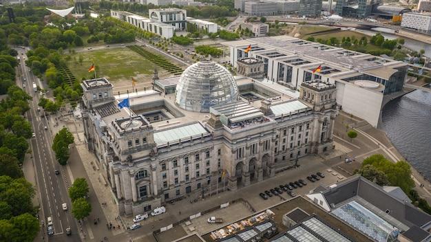 Аэрофотоснимок здания рейхстага в берлине