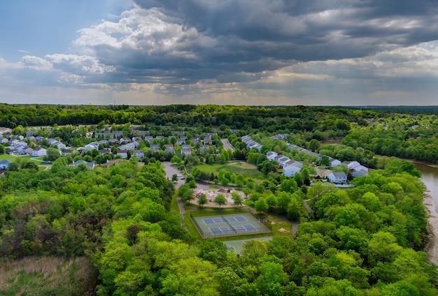 아름다운 마을 도시 풍경 이스트 브런 즈윅 뉴저지 미국에서 주거 지역의 공중보기