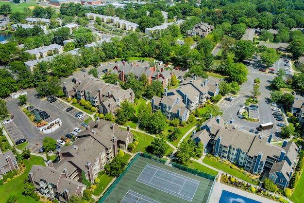米国ニュージャージー州の美しい町の都市景観における住宅街の航空写真