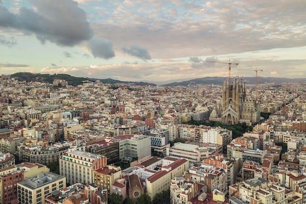 バルセロナのサグラダファミリアの航空写真