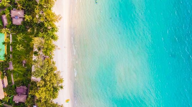 Вид с воздуха на море