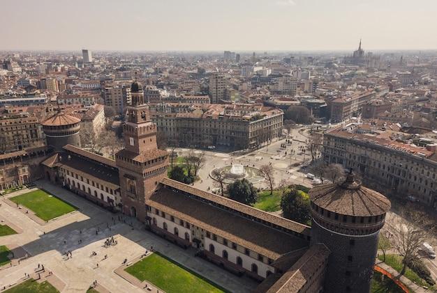 ミラノのスフォルツェスコ城の空撮