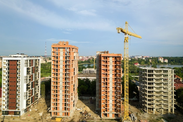 Аэрофотоснимок строящихся высотных жилых многоквартирных домов
