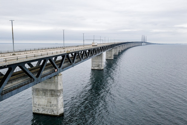 Вид с воздуха на мост между данией и швецией
