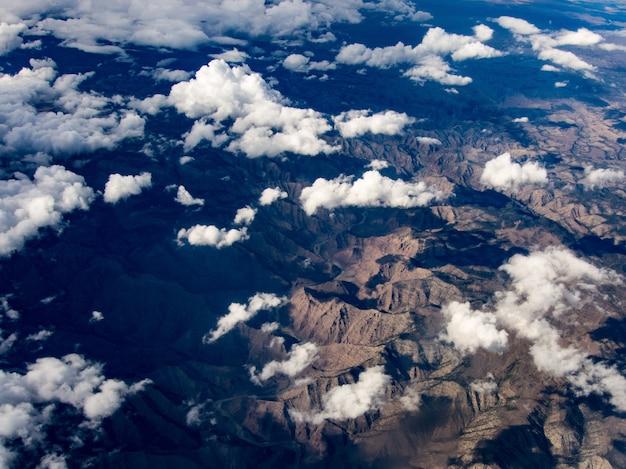 Вид с воздуха на реку колорадо, штат юта