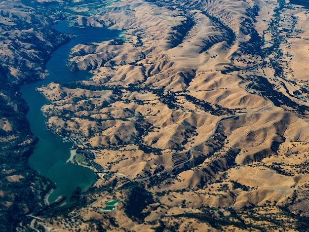 カリフォルニア州ドンペドロ貯水池の航空写真