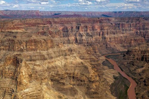 Вид с воздуха на гранд-каньон