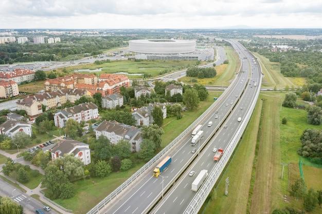 고속도로 및 폴란드 브로츠와프 시의 항공 보기