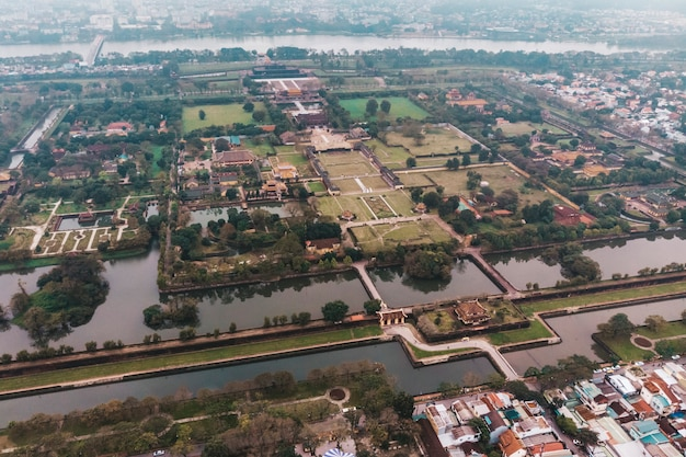 ベトナムのフエ城塞の航空写真。皇居堀、皇居複合施設、フエ省、ベトナム。