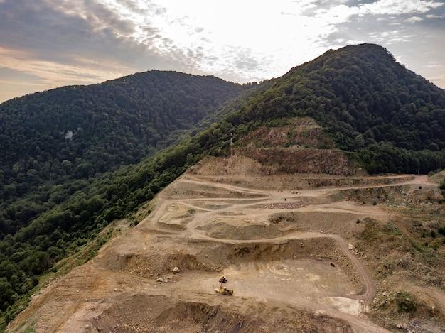 Аэрофотоснимок карьера в лесу сочи, глубокая балка 2019
