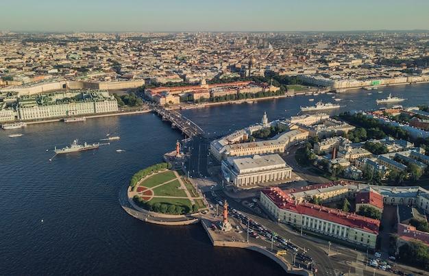 サンクトペテルブルクのヴァシリエフスキー島の唾の空撮