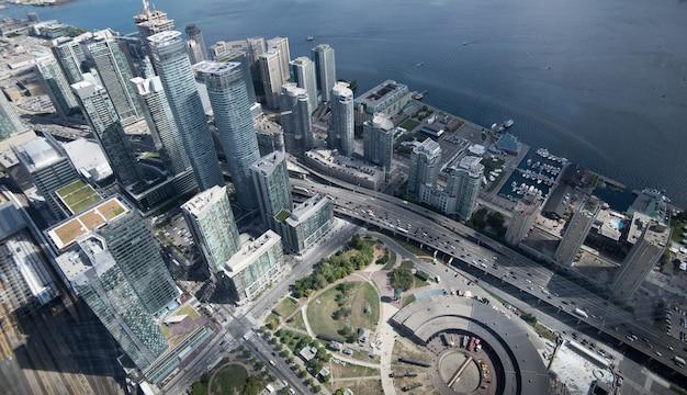 Вид с воздуха на горизонте города торонто, канада
