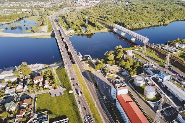 Вид с воздуха на городскую архитектуру
