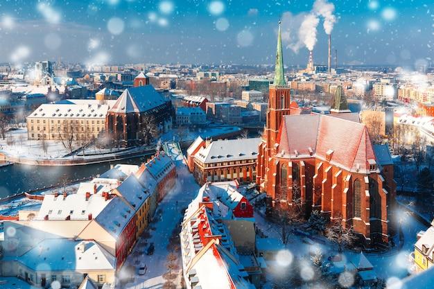 冬の朝のヴロツワフの空撮