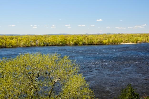 우크라이나의 드네프르 강에서 공중보기