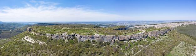 クリミア半島の中世の要塞mangupkaleの空撮。
