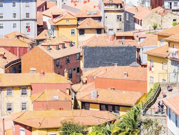 Colpo di vista aerea della bellissima città di porto in portogallo