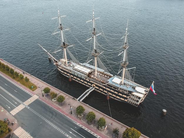 Aerialphoto vintage frigate sailing ship. st. petersburg, russia. flatley