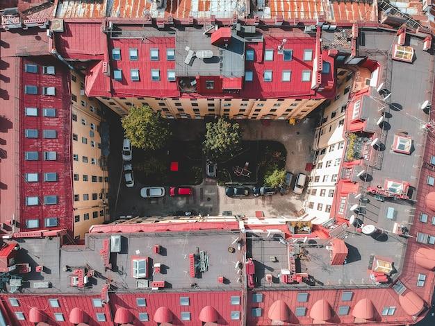 Aerialphotoの市内中心部、古い家、庭、庭。サンクトペテルブルク、ロシア。フラットリー