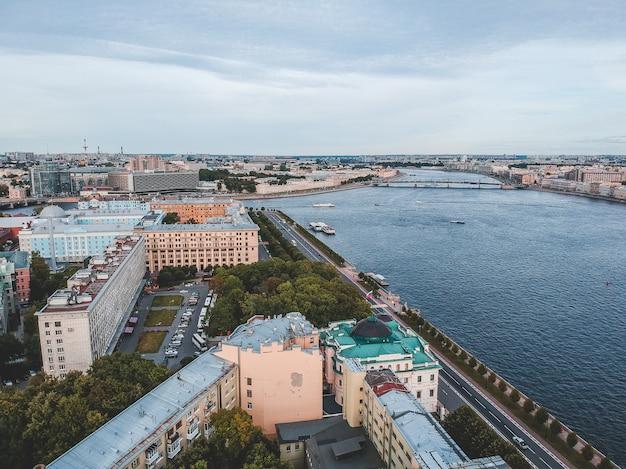 Aerialphotoヴィンテージフリゲート帆船。サンクトペテルブルク、ロシア。フラットリー