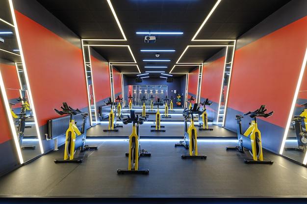 Aerobics spinning indoor bikes gym
