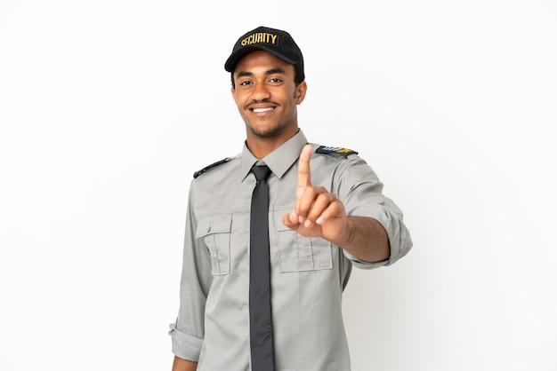 Афро-американская охрана на изолированном белом фоне, показывая и поднимая палец