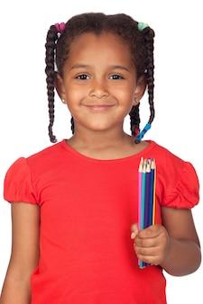 Африканская девочка с мелкими изолированы на белом фоне