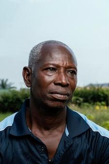 Uomo anziano africano