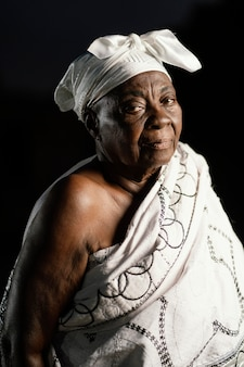 Donna senior africana