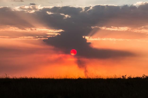 アフリカの夕日と雲