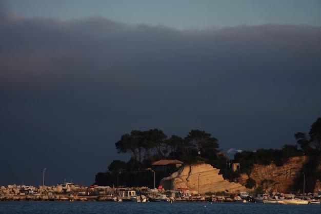 ザキントス島、ギリシャのアギオスソスティス